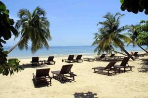 Пляж возле клуба Аэропорт, Сиануквиль, Камбоджа